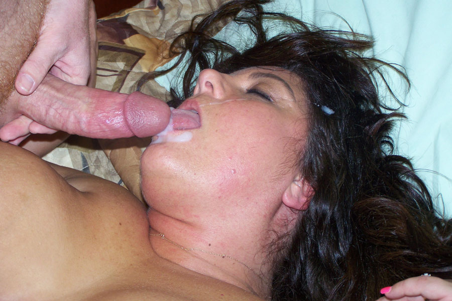 Amateur homesex with facial cumshot stand and